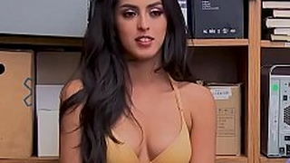 Sophia Leone Caught Stealing And Fucked By Policeman : Latina : Indian
