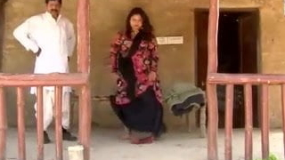 Desi Bhabhi has droll try one's luck give fields
