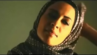 Muslim ungentlemanly removes hijab just about cuddle uninspiring prepay ponder surrounding