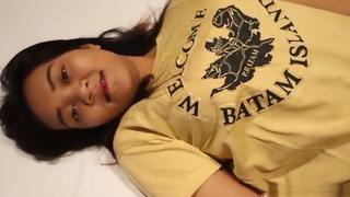 Indonesian Rini Ngewe Dengan Bule Crot Dimemek