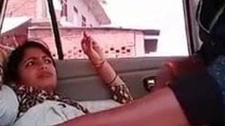 Pre-eminent jewellery guv fucks her employee roughly a passenger car (FIRSTONNET)