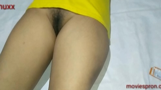 She is shaving her pussy girlfriend show