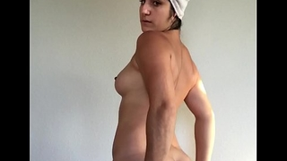 Sexy model Mida Mae demonstrates not present yes nude body