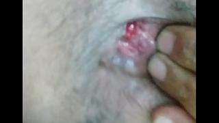 Delhi gay bottom gaandu fingering his ass