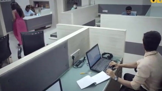 Office Ke Toylet Me Majaliya