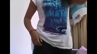 Desi hottie girl self made solo show at home video leaked off mobile