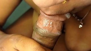 सैंडी के मुंह में झाड़ा लंड का पानी