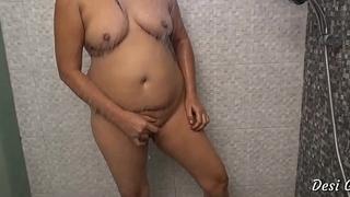 Sexy Indian Desi Bhabhi In one's birthday suit Bathroom Scene