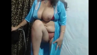 Hey I'm Rekha. Get sizzling with me!