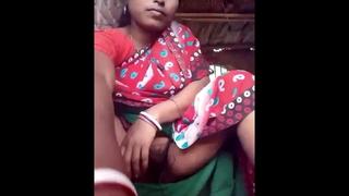 Bhabhi fingaring