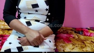 Real Bhabhi Devar Mischievous Painful Mating video, Hindi audio