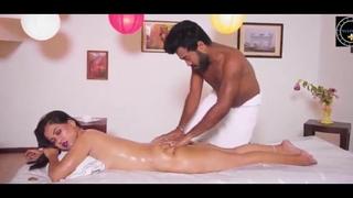 Bhabhi ko apne hatho se massage dekar kari chudai