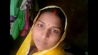 Horny Bihari Bhabhi Exposing Her Unsociable Body Outside