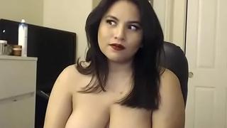 Indian bhabi live sex chat on porn movie JuicyGirlCams.com
