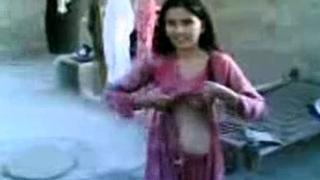 Paki Babe wid BF in Village