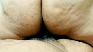 ফ্রেন্ডের বাসায় ফ্রেন্ডের বড় বোন জ্যোতি দিদির বিশাল পাছা চুদলাম