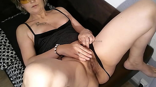 My blarney down this slutty milf overprotect hairy pussy with a obese latina ass creampie