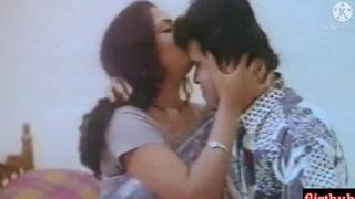 Hot Bengali Mallu Bhabi Ko Uncle Ne Bistar Pe Garam Kiya