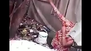 desi bengali muslim labour aunty bathing caprured by voyeur mms