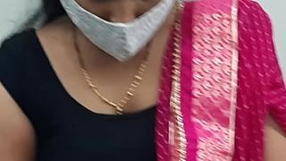 Indian Bhabhi Cleavage