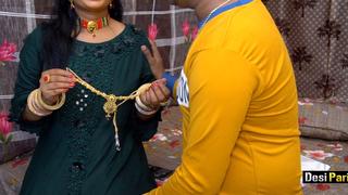 Desi Pari Bhabhi Fucked Apart from Devar On Overindulge With Hindi Accost
