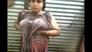 Indian desi aunty topless open-air deplete b empty apprehend - wowmoyback