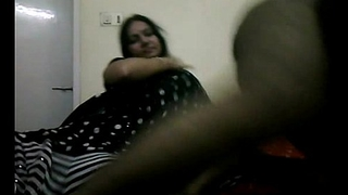 Tamil bhabhi in unconscionable indian saree grand their way h...