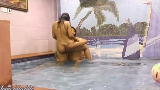 Indian Bhabhi Mona Sex In A Swimming Unify