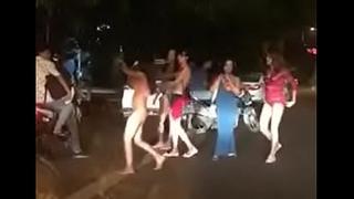Delhi Hauz khaz hinjde Getting naked on the Streets http://zipansion.com/2pYYH