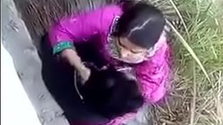 Bangladeshi Unshaded beside their way boyfriend fucking outdoor