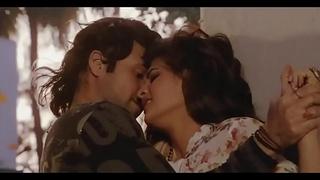 Bollywood dreamboat Jacqueline Fernandez hot kissing vignettes   despondent dance !