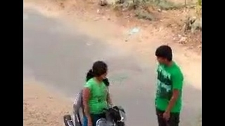 Indian suitor sexy kiss in road