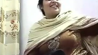 Pakishtani mummy sex relating to Shop Owner